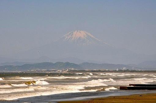 台風6号通過の江の島と湘南海岸