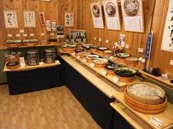 江ノ島しらす食べ放題まんぷく屋十大の店内