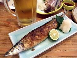 藤沢の老舗居酒屋久昇のさんまの塩焼き