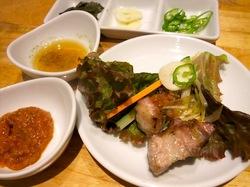 藤沢の韓国焼き肉料理湘南肉豚屋のサムギョプサル