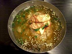 藤沢の韓国料理豚まるの冷麺