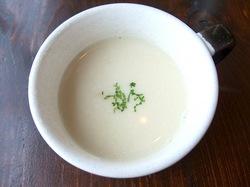 藤沢市鵠沼海岸のレストラン&カフェカブトスカフェのデミグラスソースのスープ