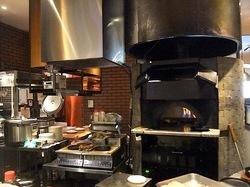 辻堂テラスモール湘南のハンバーグレストランいしがまやの石釜
