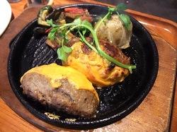 辻堂テラスモール湘南のハンバーグレストランいしがまやのプレミアムハンバーグチェダーチーズ