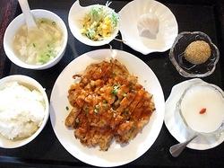 藤沢本町の大衆中華料理店紅太陽のレディースセット油林鶏