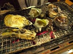 大船かき小屋○座の牡蠣炭火焼