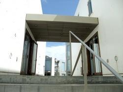 湘南鎌倉七里ガ浜bills(ビルズ)の入り口