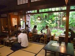 ビーフシチューで有名な北鎌倉去来庵の店内