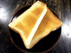 ビーフシチューで有名な北鎌倉去来庵のバタートースト