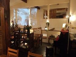 鎌倉のイタリアンレストラン「カチュッコ」の店内
