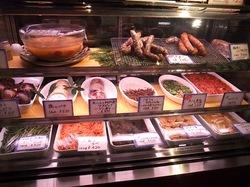鎌倉のイタリアンレストラン「カチュッコ」のテイクアウトサラミなど