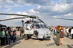 厚木基地Sikorsky S-70 (H-60 Black Hawk/Seahawk)