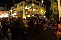 六会日大前駅のお祭り「湘南ねぶた2013」