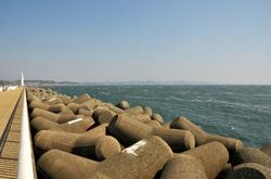 湘南に春一番の江ノ島