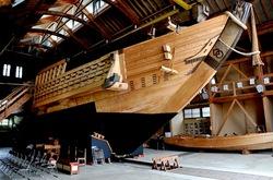 新潟県佐渡島の宿根木の佐渡国小木民俗博物館の千石船