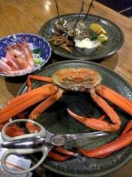 新潟県佐渡島の海鮮料理は小木花の木のズワイガニ