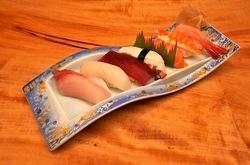 新潟県佐渡島の海鮮料理は新穂の長三郎寿司
