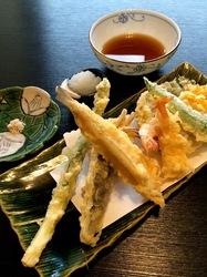 新潟県佐渡島の海鮮料理は真野歌留多(カルタ)の天ぷら