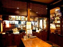 藤沢市善行の無化調ラーメン「ドラゴンキッチン」の店内