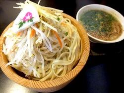 鯵ラーメンの小田原の鯵壱北條の鯵塩つけ麺