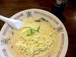 九州豚骨ラーメン哲麺の替え玉と塩タレ