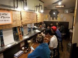 茅ヶ崎の鯛など魚介系ラーメン鐙の店内