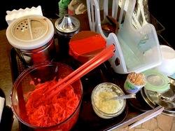 藤沢ミスターマックスのフードコートの豚骨ラーメン七志厨房の調味料