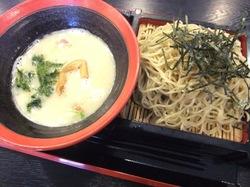 鎌倉小町通りの新魚介系鯛ラーメンかわかみの鎌倉つけ麺