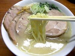 藤沢市長後の札幌ラーメン零一壱の西山製麺細麺