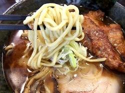 藤沢市湘南台の魚介系ラーメン田ぶしの太麺
