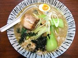 ラーメン&中華満族麺菜家@藤沢駅南口の豚肉麺