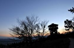丹沢大山国定公園ヤビツ峠の紅葉ドライブ散策菜の花台展望台の夕日
