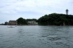 弁天橋と江ノ島をつなぐ遊覧船「べんてん丸」