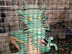 江ノ島のパワースポット江の島岩屋洞窟の古い龍