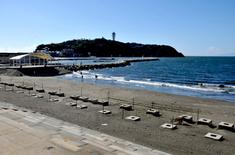 江の島花火大会の穴場観覧スポット片瀬西浜の新江ノ島水族館前