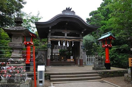 湘南藤沢江島神社奥津宮の七夕飾り