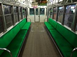 江ノ電300形の木張りの床