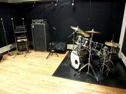 藤沢のバンド練習&個人練習スタジオ24