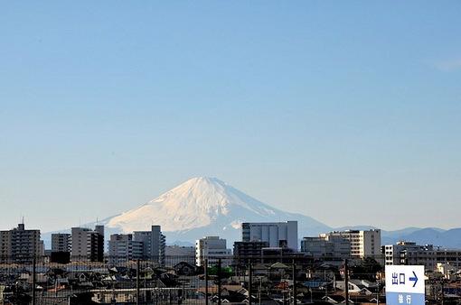 湘南モールフィルの屋上駐車場からの富士山
