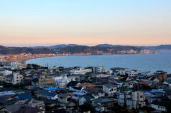 鎌倉長谷寺の紅葉と眺望散策路からの海