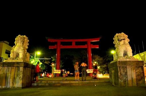 鎌倉鶴岡八幡宮のぼんぼり祭の段葛二ノ鳥居