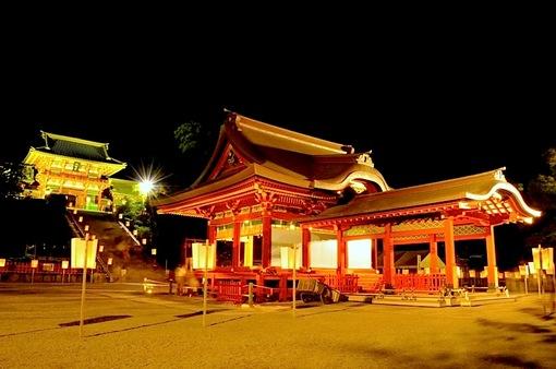 鎌倉鶴岡八幡宮のぼんぼり祭の舞殿&本殿