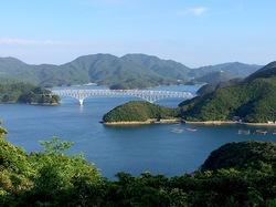 湘南藤沢から五島列島へ若松島の龍観山展望台からの若松大橋