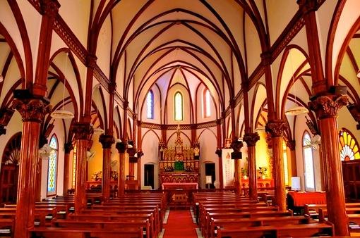 世界遺産を目指す五島列島のカトリック教会群上五島中通島の青砂ヶ浦教会