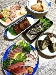 五島列島のグルメ情報海鮮系は福江島菜づ菜の刺身とたかぜみなつぼ焼き