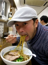善行の中華ラーメン翠保飯店(すいほはんてん)のカレーラーメン